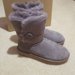 Ugg bailey button boots size 7